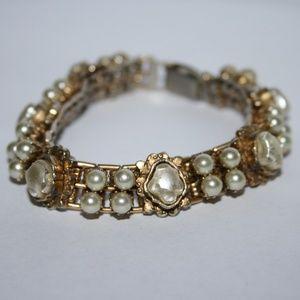 Vintage stunning gold and pearl bracelet
